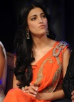 shruti_hassan_hot_saree_anaganaga_oka_dheerudu_02