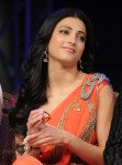 shruti_hassan_hot_saree_anaganaga_oka_dheerudu_06